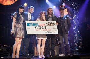 Feist and a novelty cheque. This is the Polaris Prize.