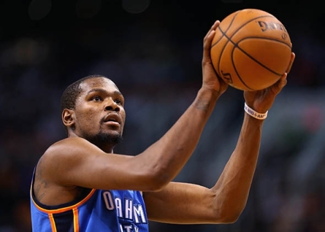 That's not a trick of perspective, those are Durant's arms.