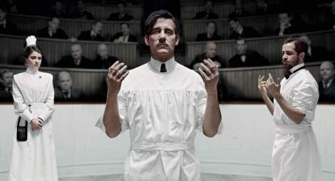 Dr. John Thackery (Clive Owen) of the Knick wants to help.
