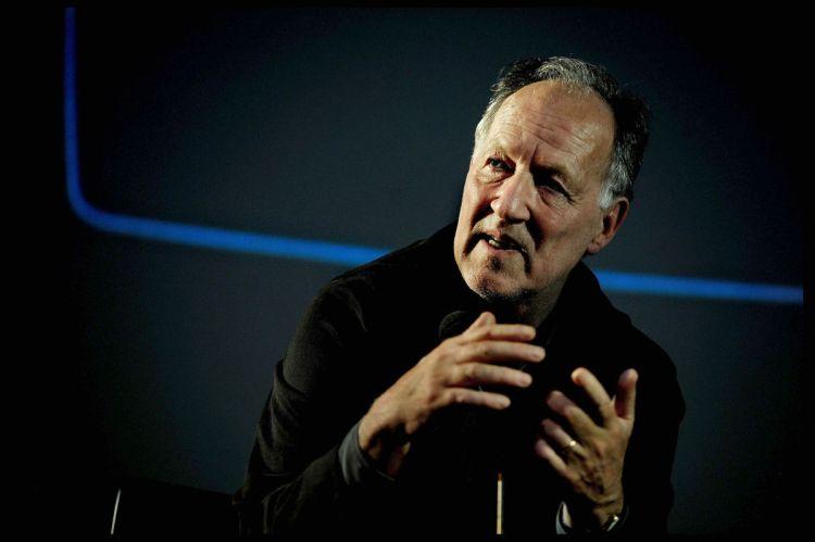 House-Herzog-Talks-Virtual-Reality-1200